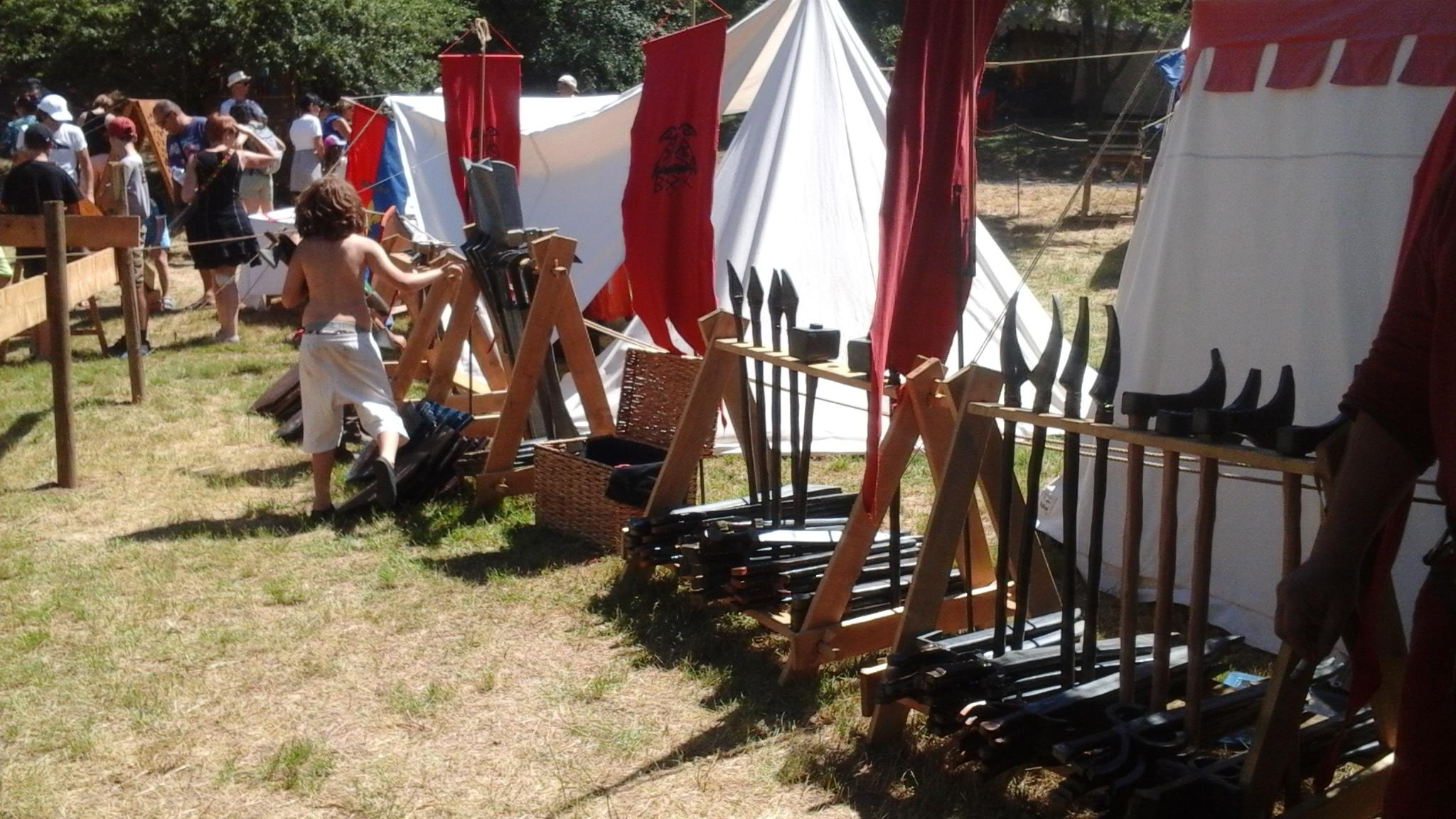 Haches, épées, marteaux, becs de corbin et autres joyeuseries
